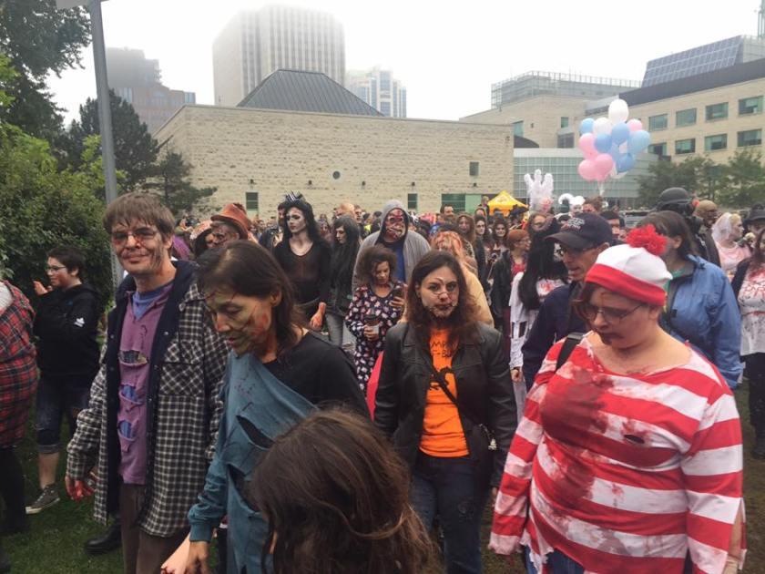 Zombie Crowd2